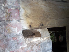 Rotten beam support under the hurst